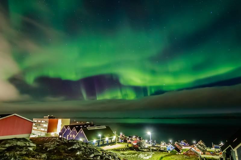 Aurore boréale au-dessus de Nuuk, au Groenland